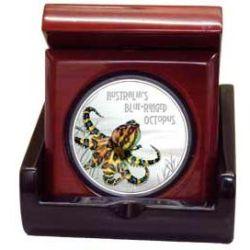 1884-octopus-in-box